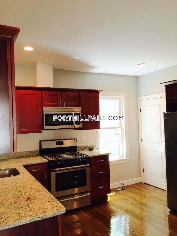 3 Beds 1 Bath - Boston - Fort Hill $3,195