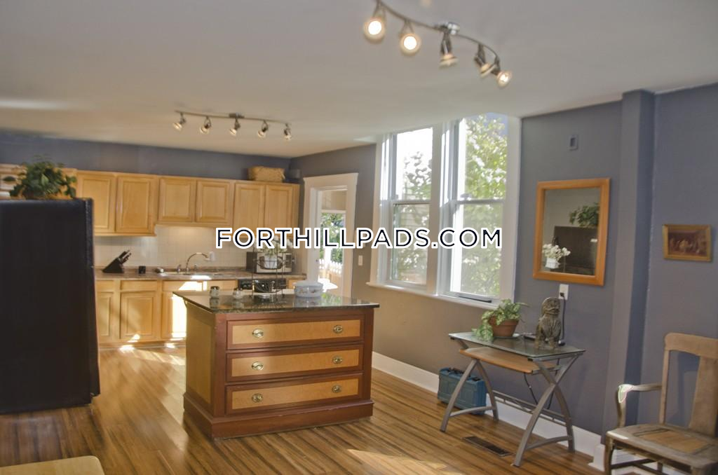 1 Bed 1 Bath - Boston - Fort Hill $2,250